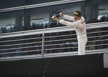 Nico: rei do pódio há seis GPs consecutivos (foto Mercedes)