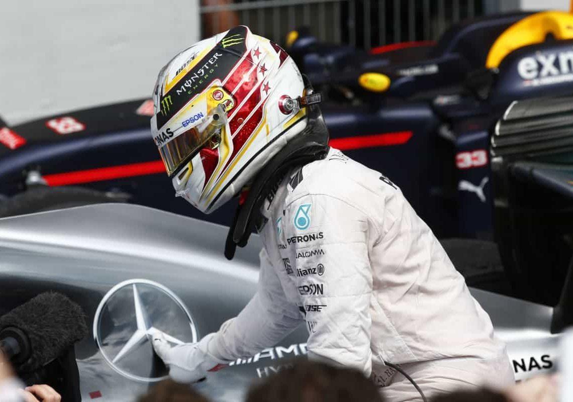 Hamilton e Mercedes em momento de vitória: o retrato da F-1 2016 (Foto Mercedes)