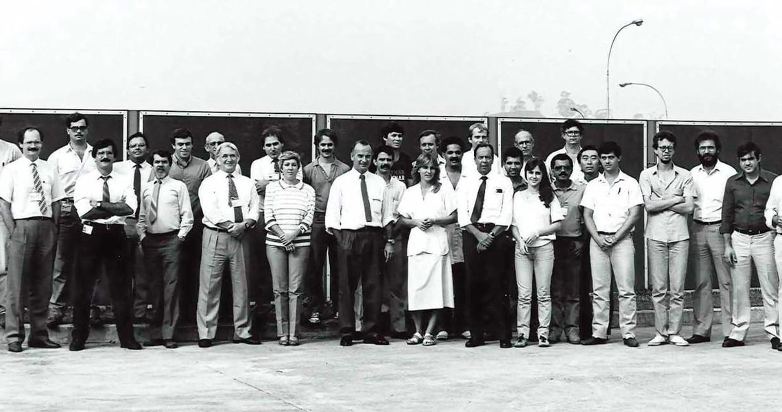 Grupo que formava o Design Autolatina, formado pelo ajuntamento ds dois times da VW e Ford. no centro os dois chefes: Winkler e Mora.