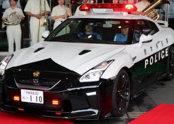 Nissan GT-R vira carro de polícia no Japão