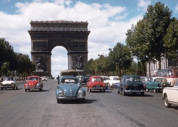Ivan Hodge and Beth Hodge drive their beloved Volkswagen Beetle around the Arc de Triomphe in Paris 1960 picture supplied http://www.forloveandabeetle.com/#!gallery/ck4o