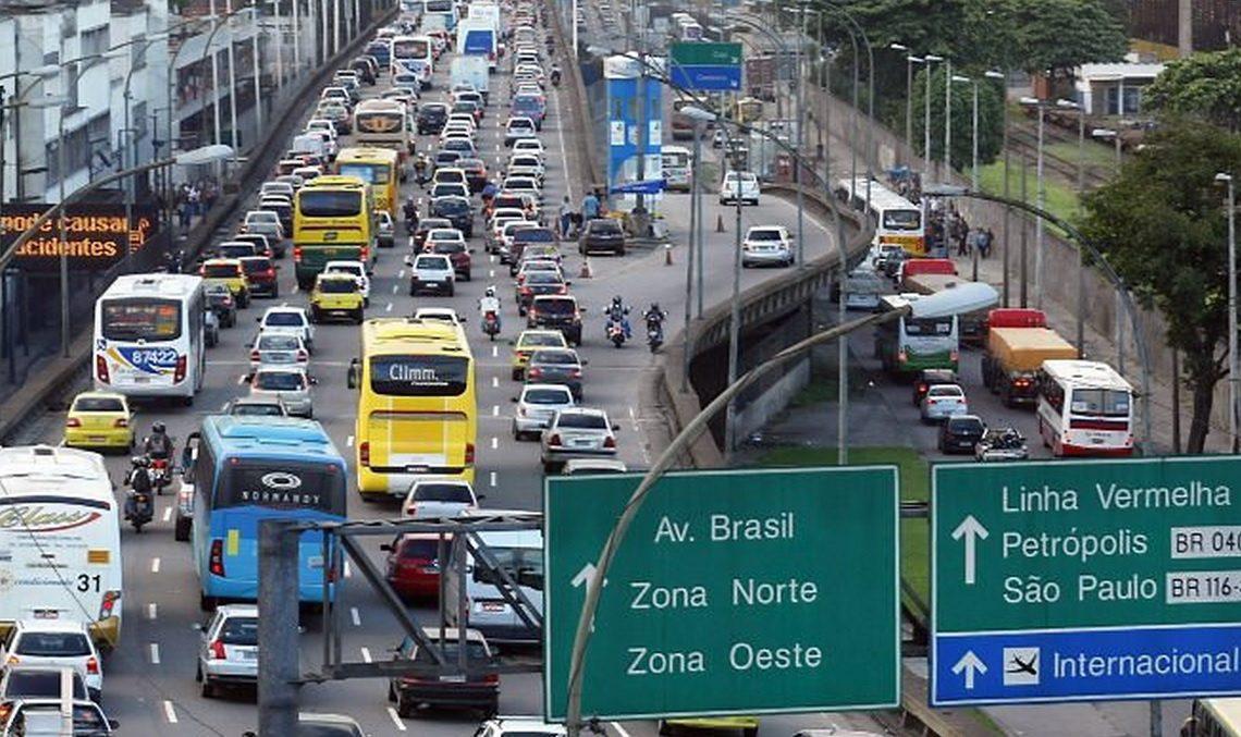 Congestionamento no Rio de Janeiro (Foto: diariodotransporte.com.br)