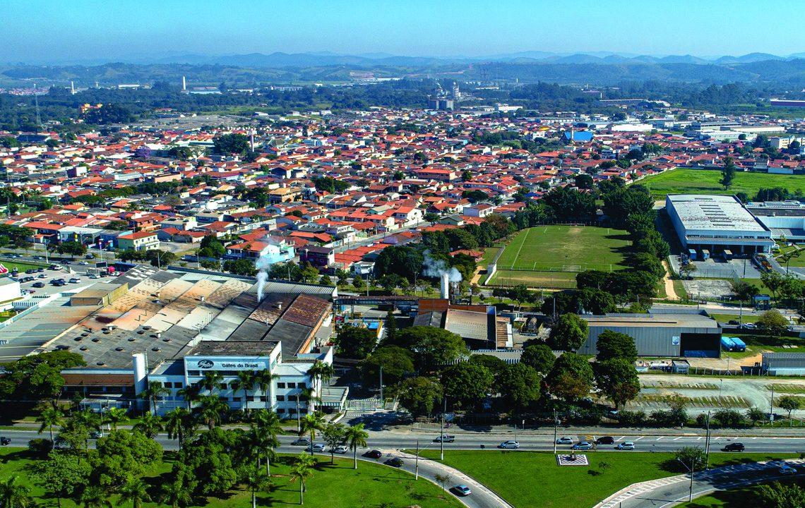 Vista aérea da fábrica e sede da Gates Corporation (Foto: divulgação Gates)
